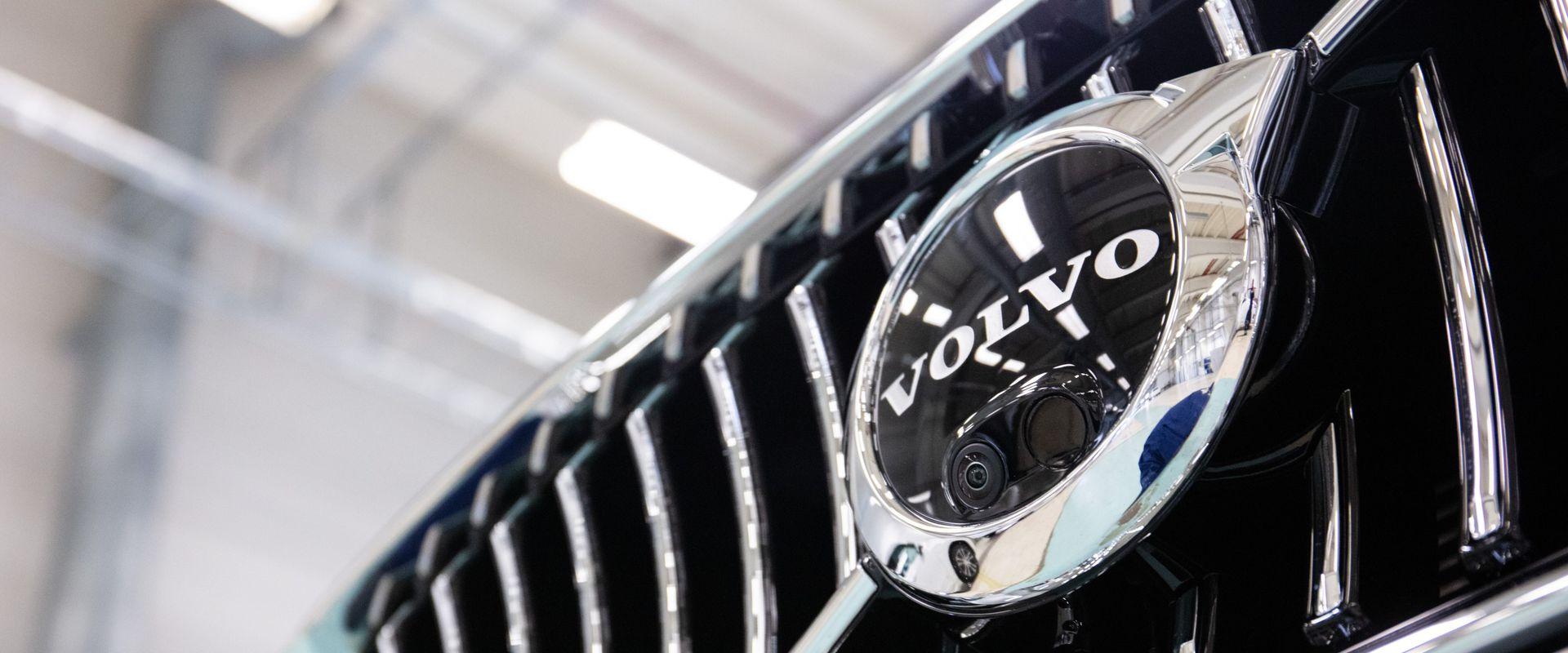 A Volvo Cars ismét megnyitja torslandai gyártóüzemét és svédországi irodáit