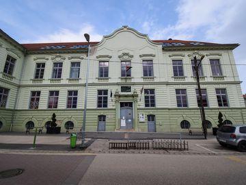III. szavazókör: az egykori Polgári Fiúiskola épülete a Halász utcában (ma Petőfi Sándor Általános Iskola)
