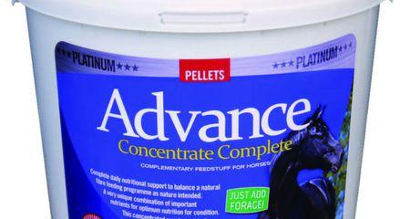 EQUIMINS ADVANCE COMPLETE-koncentrált táplálékkiegészítő vitamin pellet 4kg