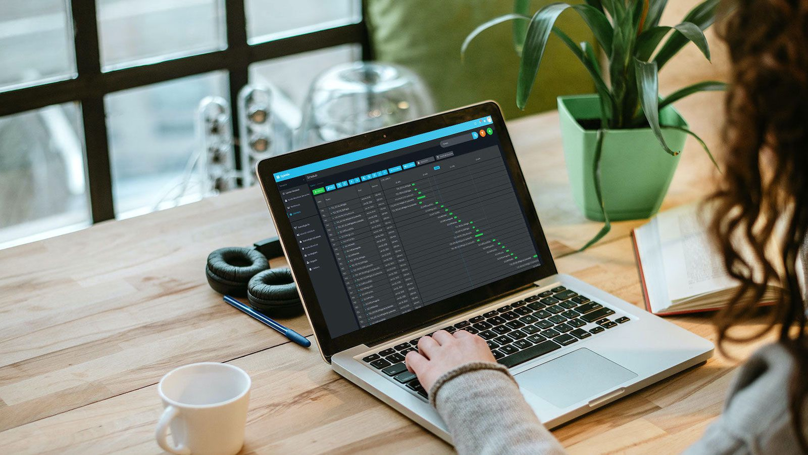 Véget vet az irodai időpazarlásnak egy új magyar applikáció