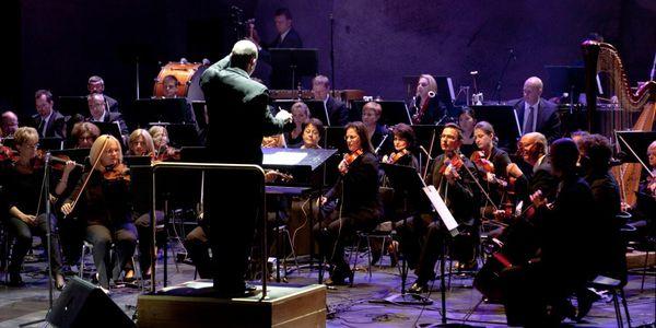 Szekeres Adrien és a Győri Filharmonikus Zenekar koncertje