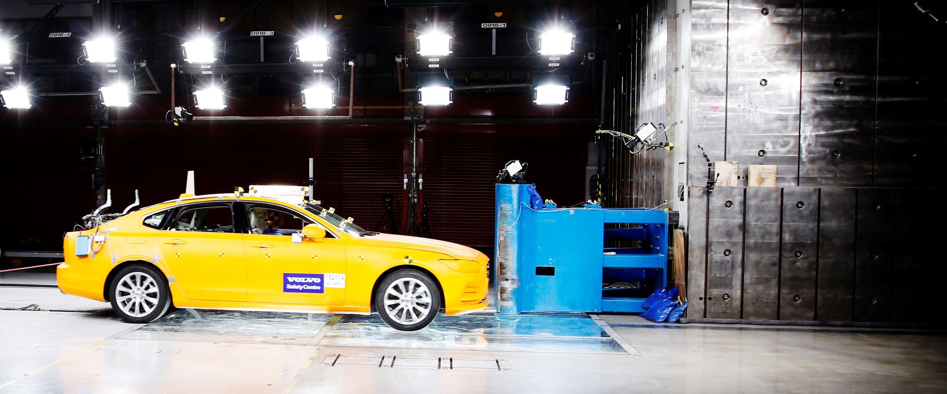 Két évtizede az életmentés szolgálatában: idén húsz éves a Volvo Cars Biztonsági Központja