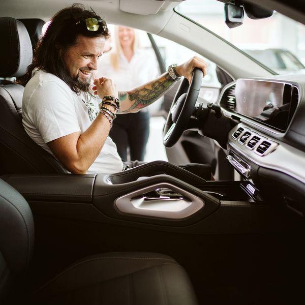Fejes Tamás autó átadás