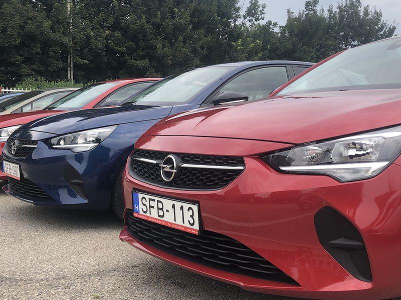 Brutális visszaesés az autókereskedelemben