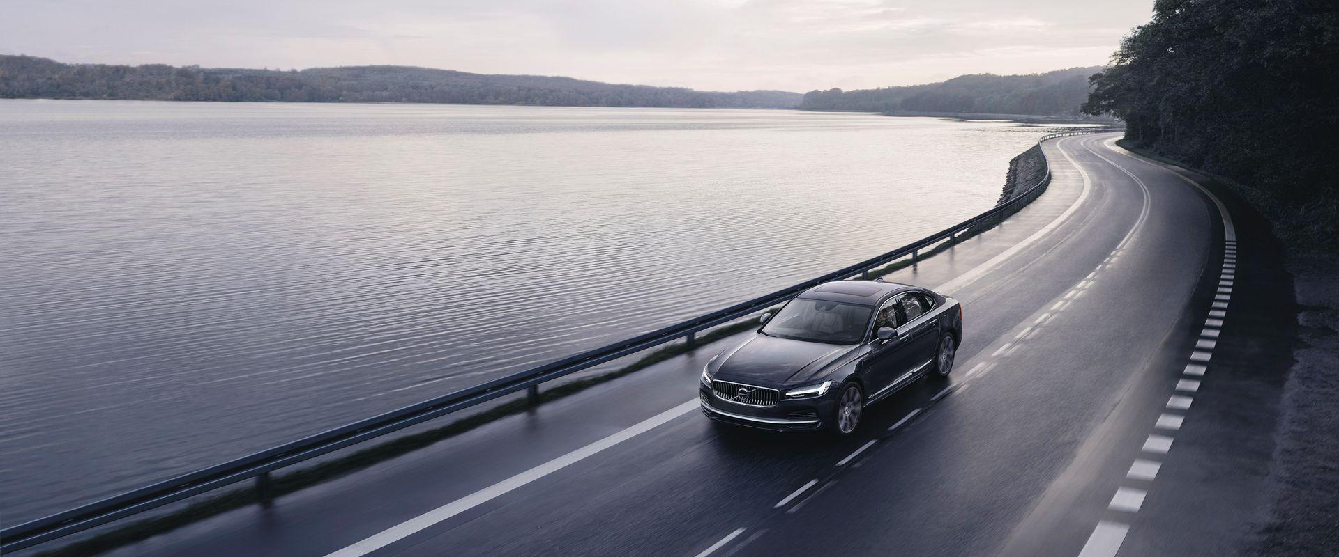 Mostantól minden új Volvo gépkocsi 180 km/órára korlátozott végsebességgel és programozható Care Key indítókulccsal kerül forgalomba