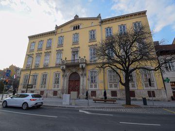 I. szavazókör: az Orsolyiták Bauer-féle háza /Horváth-ház/ (ma a Soproni Szent Orsolya Gimnázium épülete)